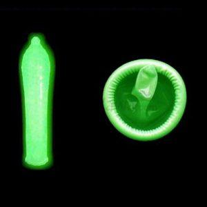 BE002GR Glow Condom