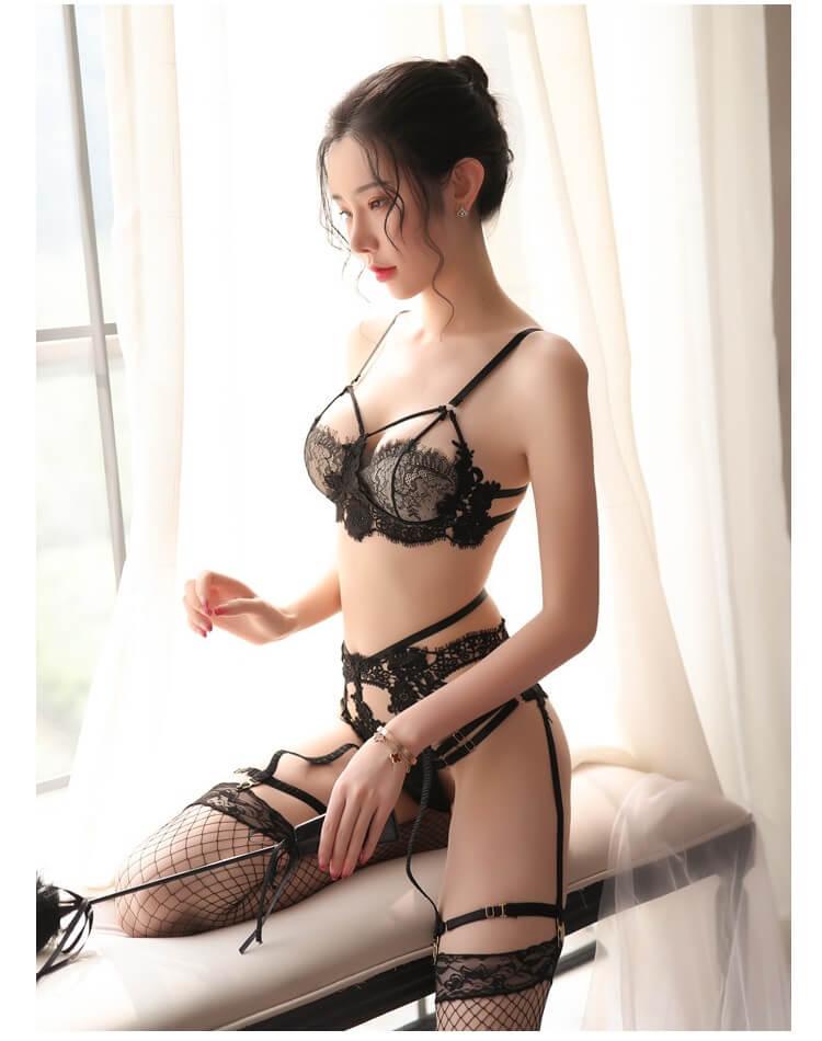 Sexy Bikini Set With Garter Belt & Stocking BK033BK